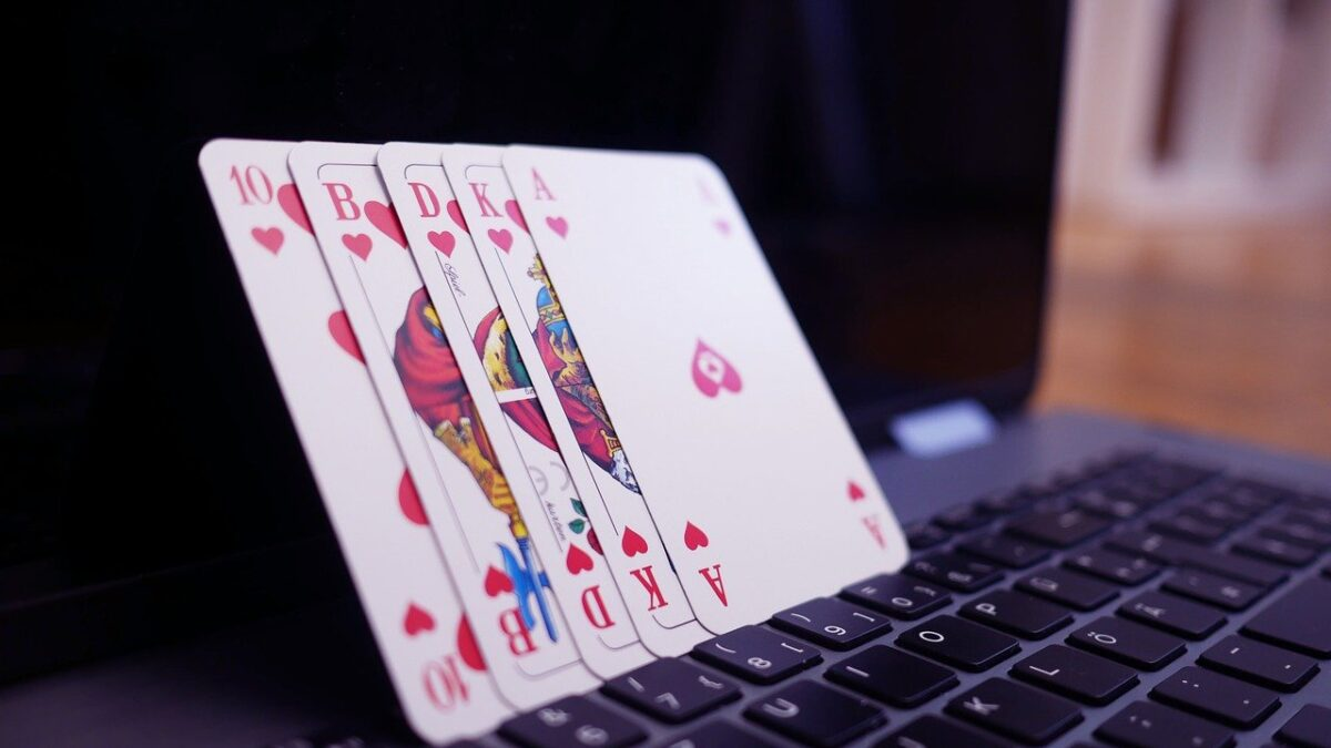 Using a Poker Bonus to Improve Your Odds at Winning